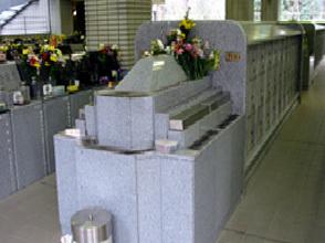 写真:立体墓地内